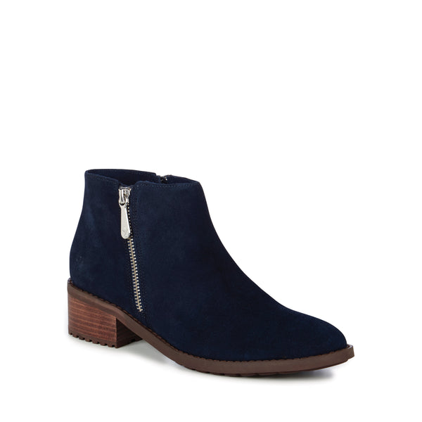 Acton Boot in Midnight