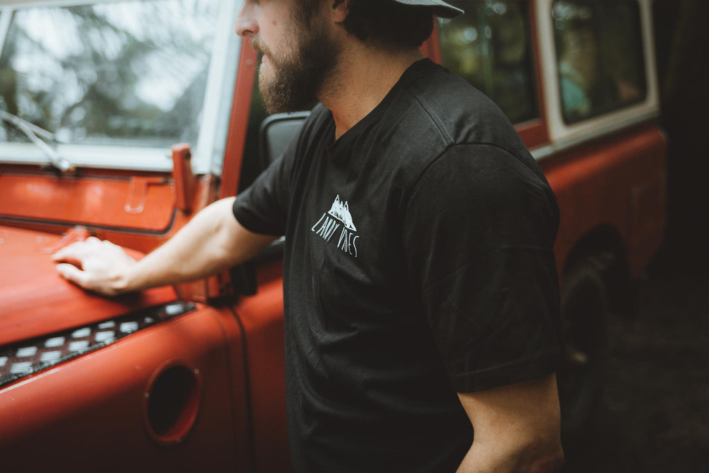 Landy Vibes Logo Tee - Crew Neck - Mens