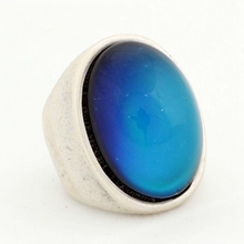 Load image into Gallery viewer, Large Vintage Mood Ring