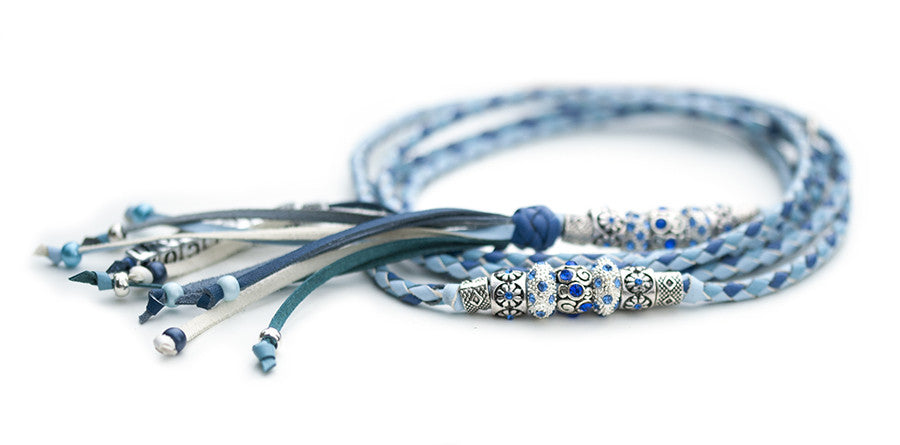 Kangaroo leather show lead in baby blue, sky blue & jacaranda - Emoticon