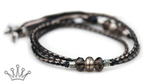 Kangaroo leather show lead in black & pewter - Emoticon