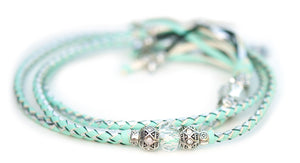 Kangaroo leather show lead in mint & silver