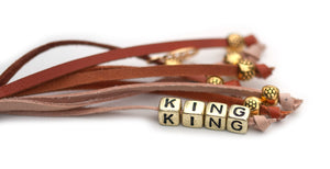 Kangaroo leather show lead in saddle tan, whisky & natural