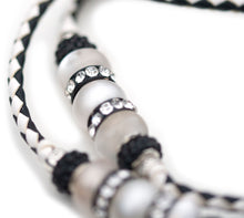 Kangaroo leather show lead in black & white