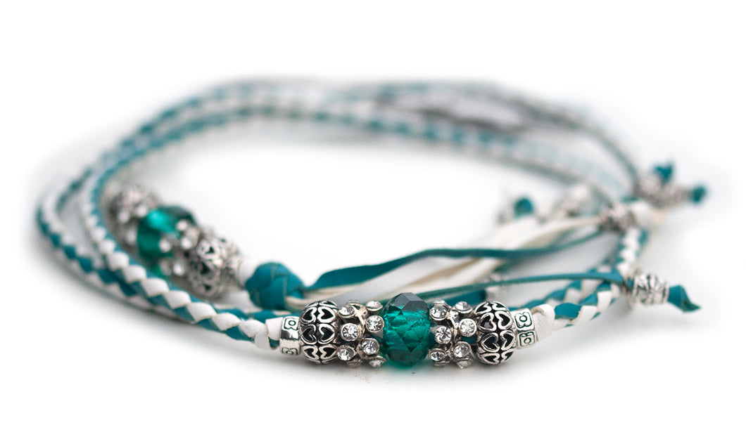 Kangaroo leather show lead in turquoise & white