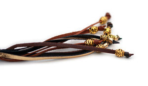 Kangaroo leather show lead in chocolate, whisky & gold - Emoticon