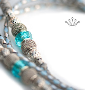 Kangaroo leather show lead in baby blue, dove grey & silver - Emoticon