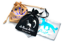 Personalized show lead pouch