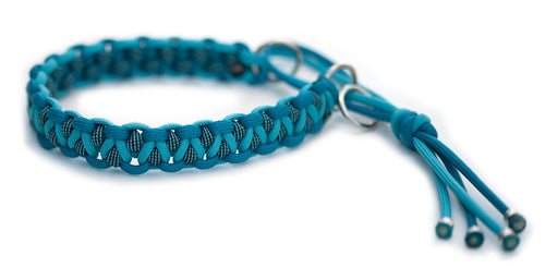 Paracord collar blue
