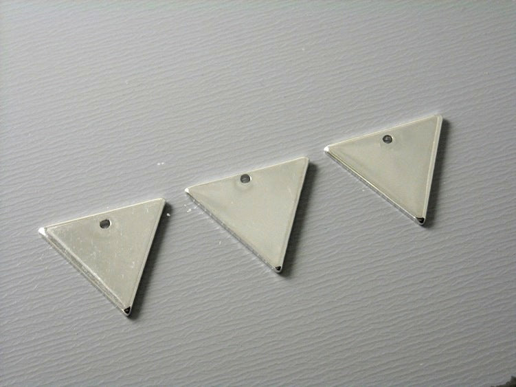 Charm - Platinum Plated - Triangle Shape - 12mm x 14mm - 4 pcs - Pim's Jewelry Supplies