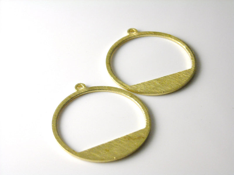 Charm - Raw Brass - Circle - Textured - 23mm - 2 pcs