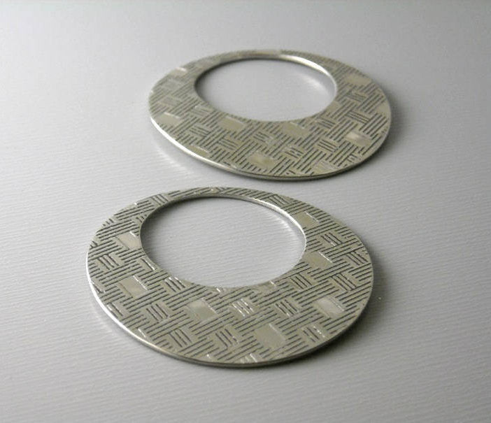 Solid Stainless Steel Textured Round Hoops - 2 pcs - Pim's Jewelry Supplies