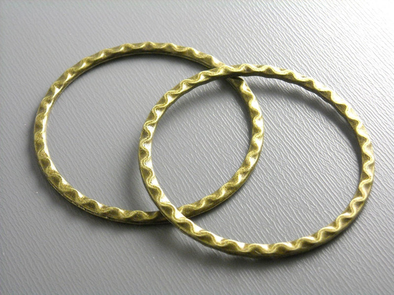 Links - Antique Bronze - Circle & Textured - 37.5mm - 4 pcs - Pim's Jewelry Supplies