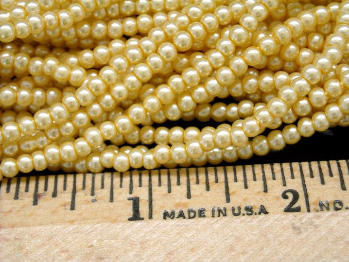 Czech Glass Pearl, Vanilla, 3mm, approx. 120 beads