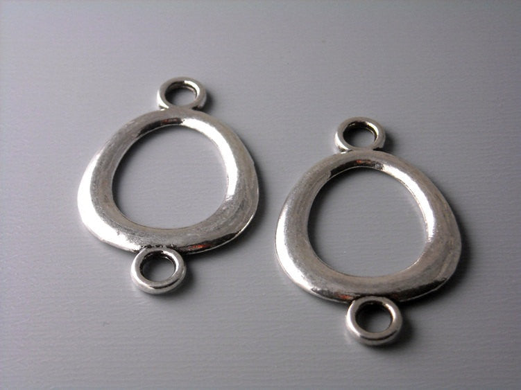 Antiqued Silver Plated Oval Linking Charm - 6 pcs