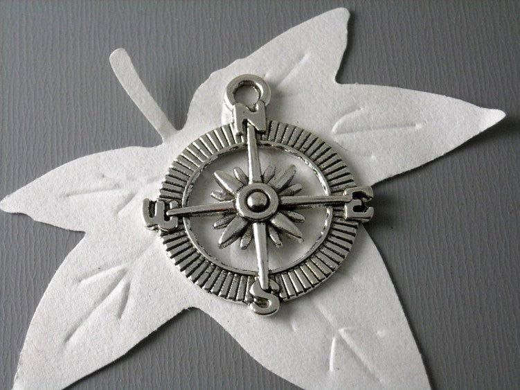 Antique Silver Compass Pendants - 3 pcs - Pim's Jewelry Supplies