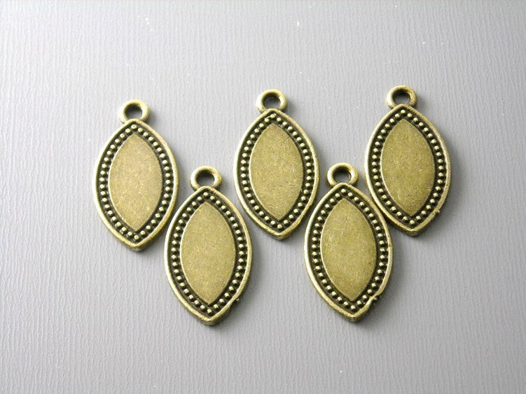 Antique Bronze Horse Eye Shaped Discs - 5 pcs