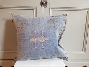 Cactus silk cushion - Blue/Yellow03