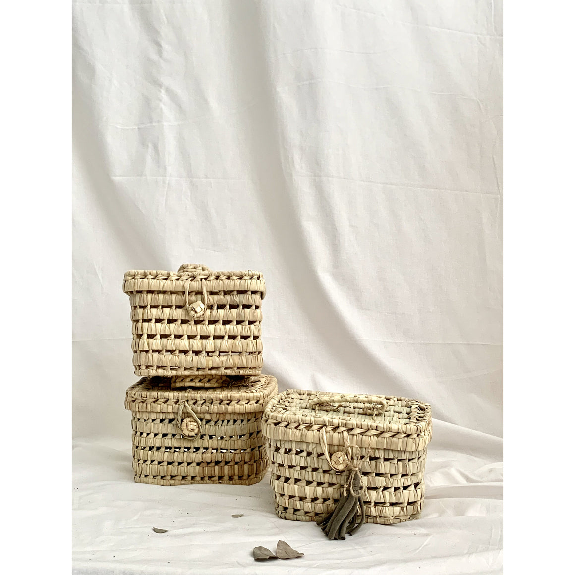 MINI PALM BASKET WITH LID