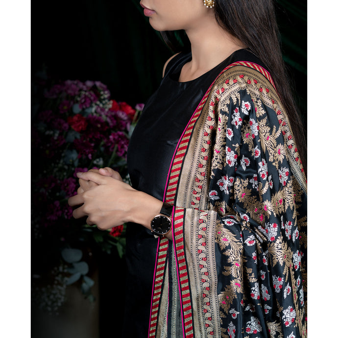 'Black Swan' Handloom embroidered silk Banarasi dupatta