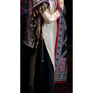 Black Pearl Kadhwa Jangla Embroidered Silk Banarasi Handloom Dupatta by Urvii Mantreh