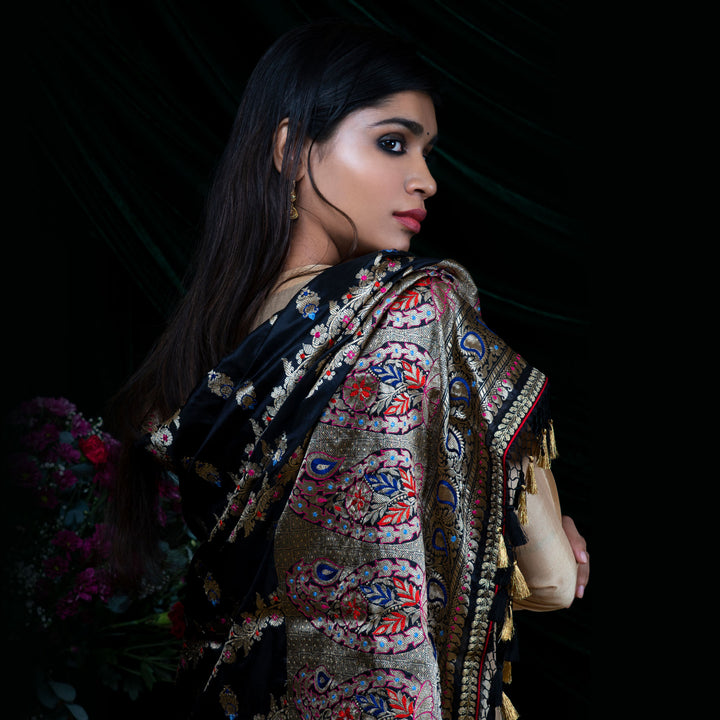 'Black Pearl' Kadhwa Jangla Embroidered Silk Banarasi Handloom Dupatta Only