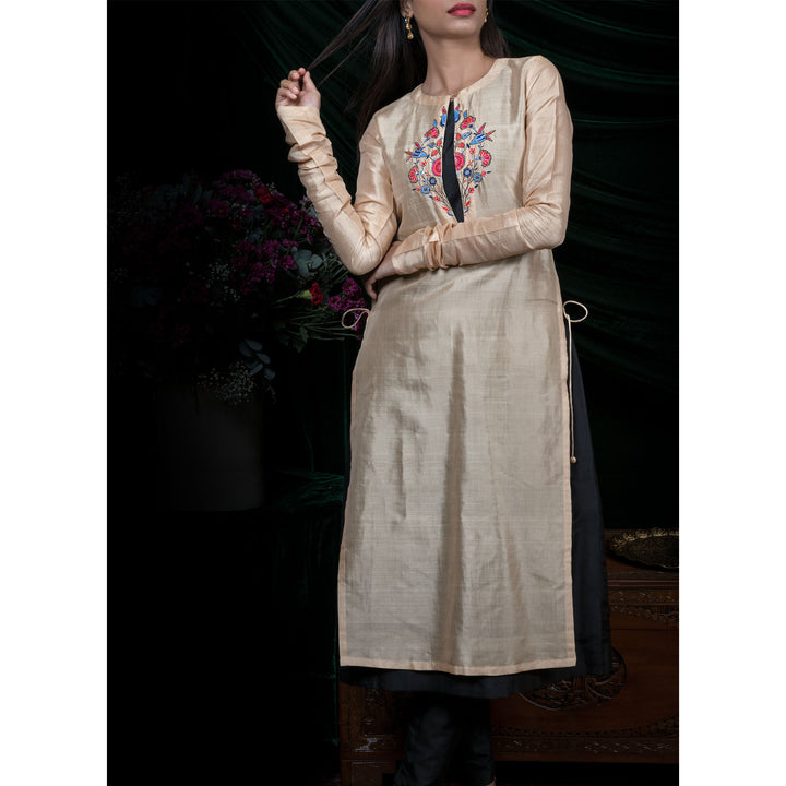 'Secret of a tulip' Beige Handloom Silk-Cotton Kurti