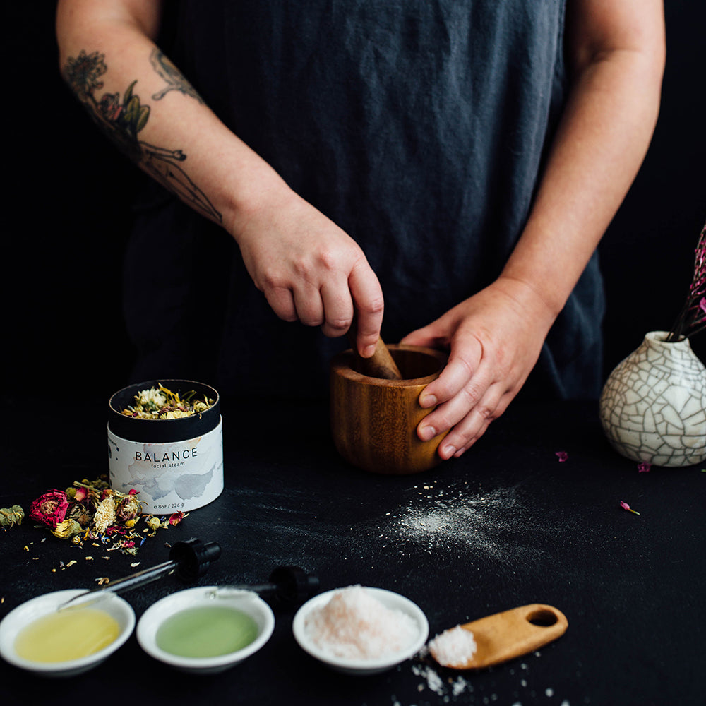 Artisan making vegan, cruelty free and natural bath and beauty products