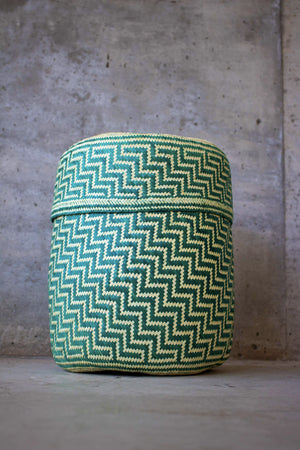 Handmade, ethical and sustainable palm basket from Mexico - Large Green