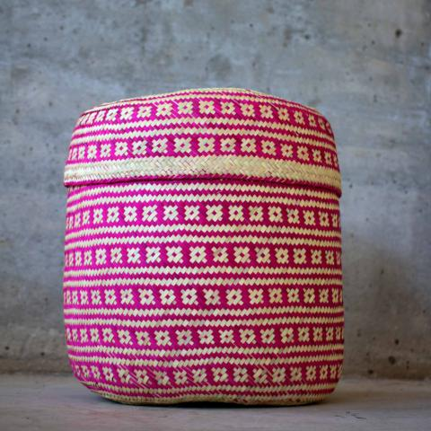 Handmade, ethical and sustainable palm basket from Mexico - Medium Pink