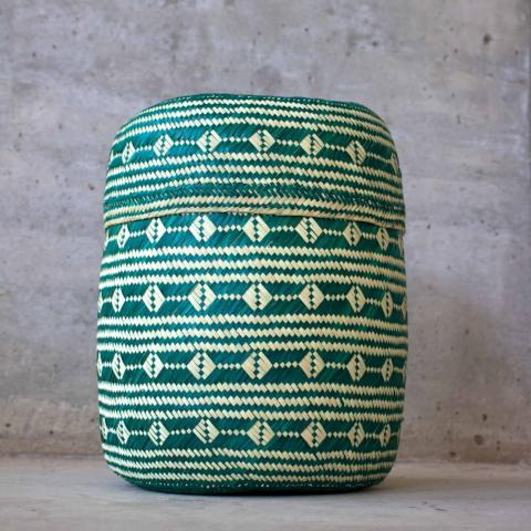 Handmade, ethical and sustainable palm basket from Mexico - Medium Green