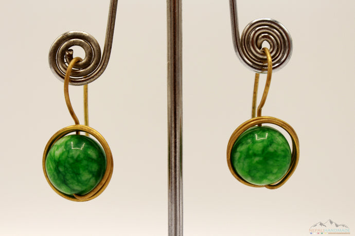 GREEN EARTH STONE CIRCULAR WIRE ART DROP EARRING