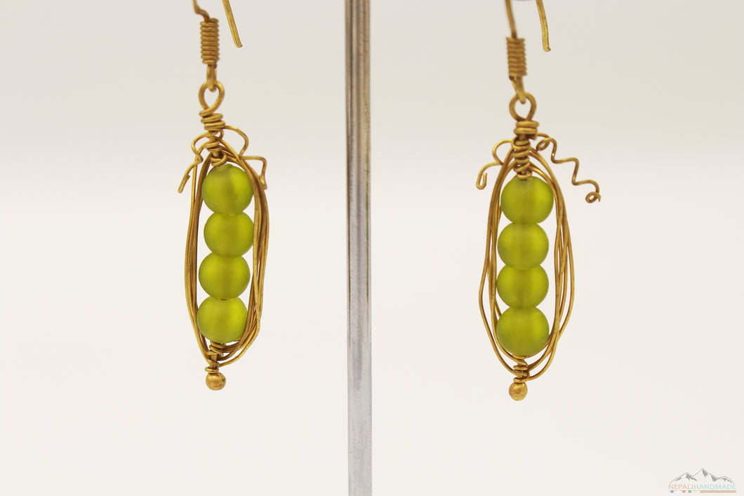 NATURE GREEN STONES WIRE ART DROP EARRING