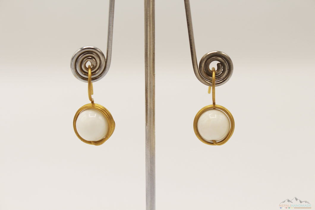 WHITE STONE WITH CIRCULAR WIRE WRAP DROP EARRING