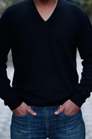 Men's Black Cashmere V-Neck Sweater
