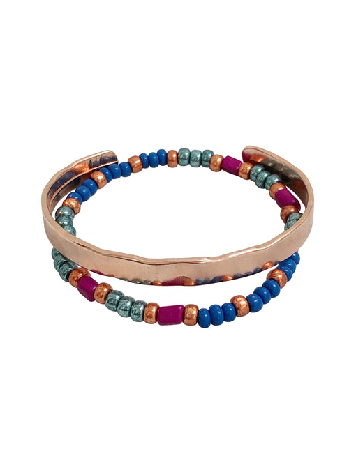 """Bold Colouring"" rose goldcoloured cuff and glassbead bracelet (set of 2)"