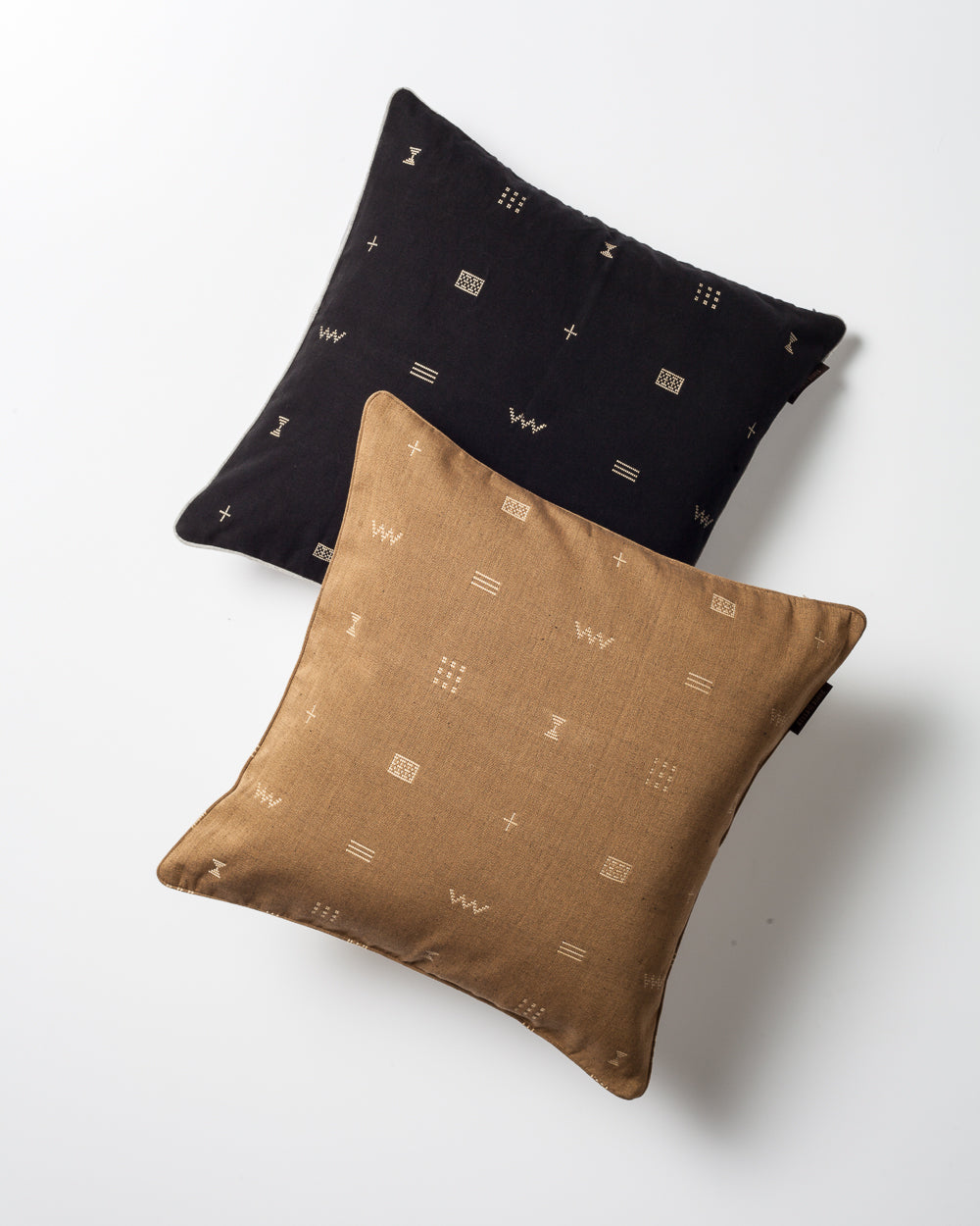 Luxury Hand-Woven Cushion – Bakel Black