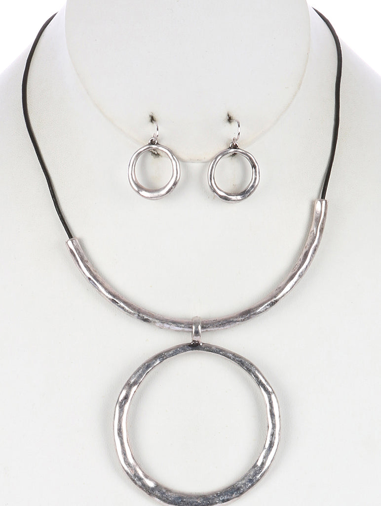 Black Hammered Metal Ring Pendant Necklace And Earring Set