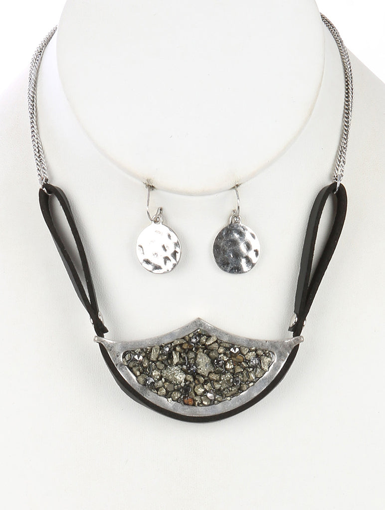 Black Shimmer Finish Natural Stone Cluster Bib Necklace And Earring Set