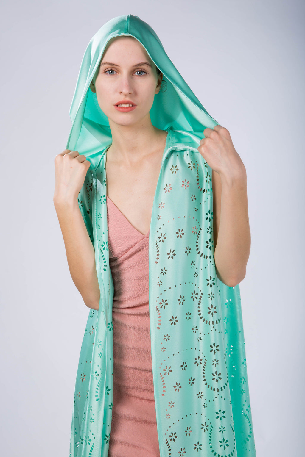 Kaftan with hood, without sleeves, Desert Oasis, front view