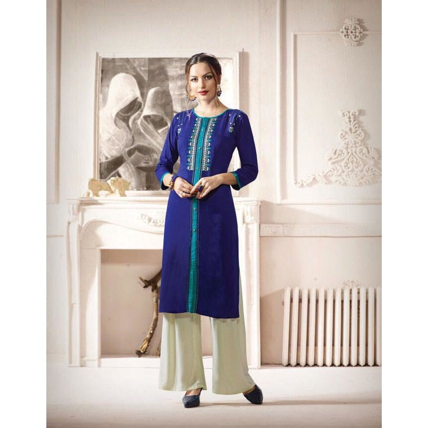 Blue the color of confidence, must have in wardrobe a Look of elegance and confidence