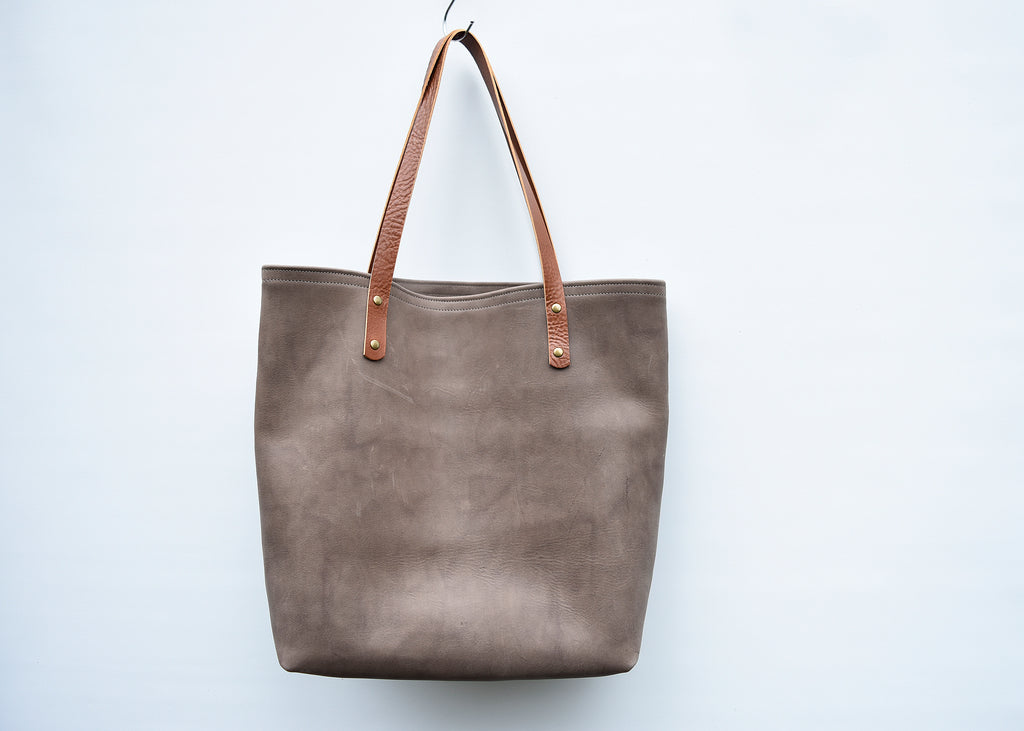 SALE - I'm a leather tote!