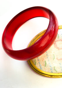 Cherry red prystal bakelite bangle, rockabilly early plastic jewellery