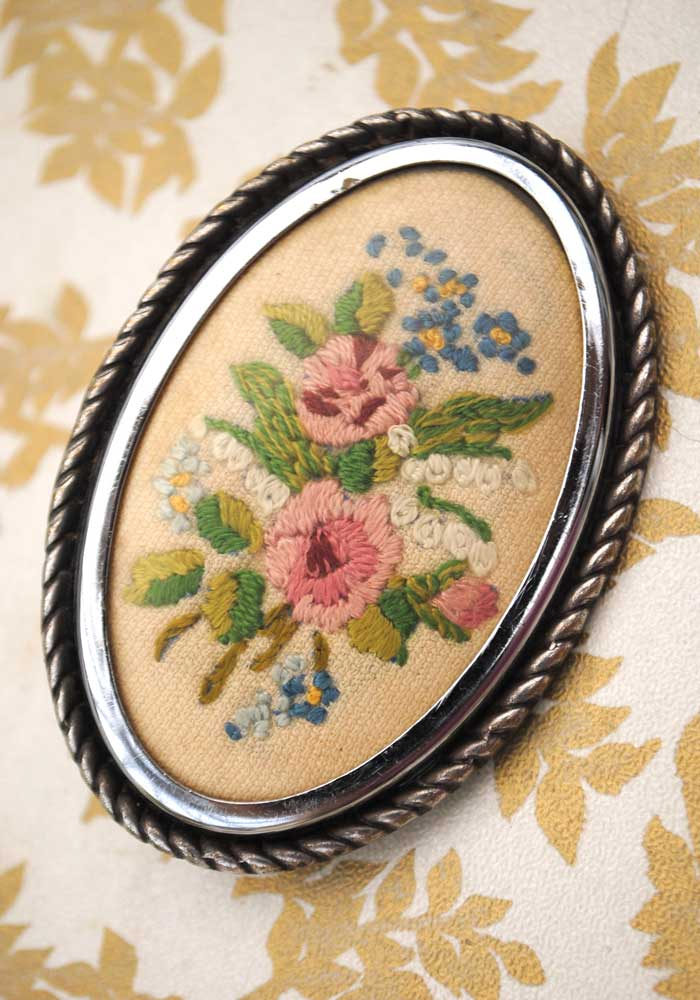 vintage 30s embroidered floral brooch