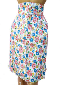Vtg 1950s housewife hostess apron in a pink and blue floral rubber coated fabric