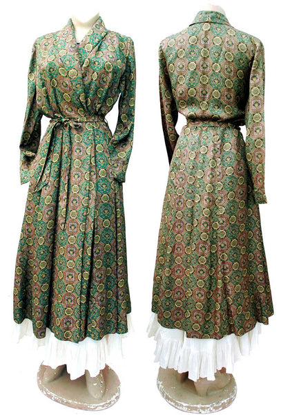 fabulous green silky printed rayon housecoat, robe with a vibrant tealy green pattern
