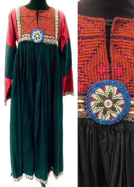 Traditional vintage hippie kuchi dress in black and red cotton, size 34 inch bust