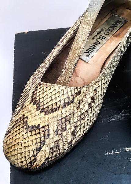 1980s Vintage Manolo Blahnik Snakeskin Pumps shoes • size 6