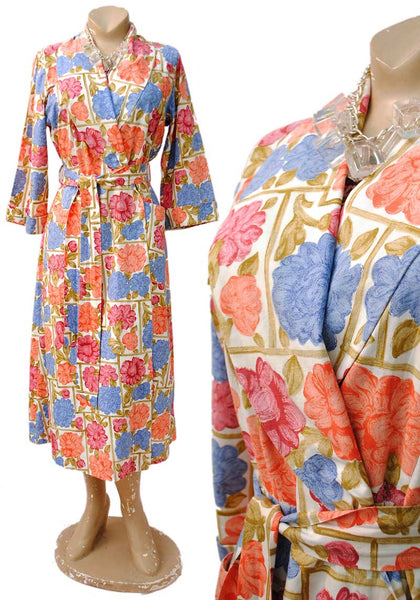 1940s Vintage Floral Cotton Robe Housecoat • Dressing Gown