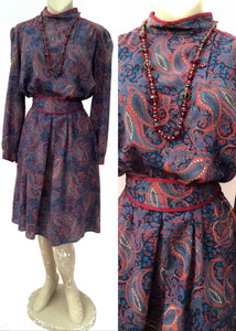 Vintage 70s wool paisley print cossack style dress, perfect for autumn with long sleeves, cummerbund belt and high collar. Made by St Michael.